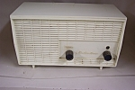Vintage Montgomery Wards tube type Airline Radio.  Model No. GEN 1701A #4214.  Works.  Has two cracks on top of case.  Collectible.