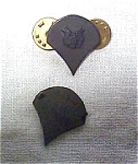 Lot Of 2 Us Army Insignia-vietnam Era?