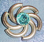 Swirl Design Brooch With Rhinestone