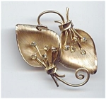 Lovely 12kt Gold Filled Rhinestone Leaf Pin