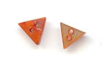 Set Of 2 Dyed Triangular Pearl Buttons