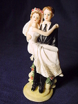 Lifting Bride Groom Wedding Cake Topper Figurine