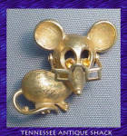 Avon Mouse Pin With Moving Glasses