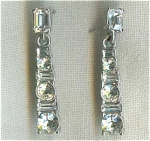 Rhinestone Bar Line Pierced Earrings