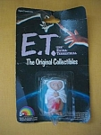 Ljn Toys Miniature Et In White Towel Collectible Doll