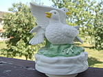 Bisque Love Bird Dove Music Box Tundra Imports Japan Mint