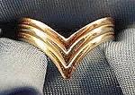 14k Gold Chevron Style Ladies Ring - Size 5.5