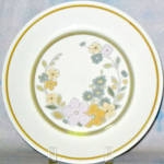 Royal Albert Cottage Flowers Dinner Plate
