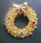Goldtone Holiday Christmas Wreath Pin