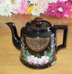 Beautiful English Tea Pot - Gilt Embellished - Festoon