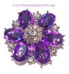 Costume Jewelry: Brooches & Pins: Purple Clear Rhinestone Flower