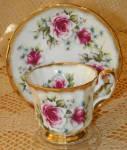Elizabethan China Cup & Saucer Unmarked Pattern Floral Roses Gold Trim