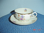 Warwick Gold Scalloped Floral Pattern Cups/saucers