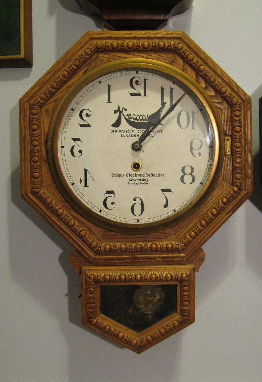 Barber Shop Backwards Clock 1900 -19005