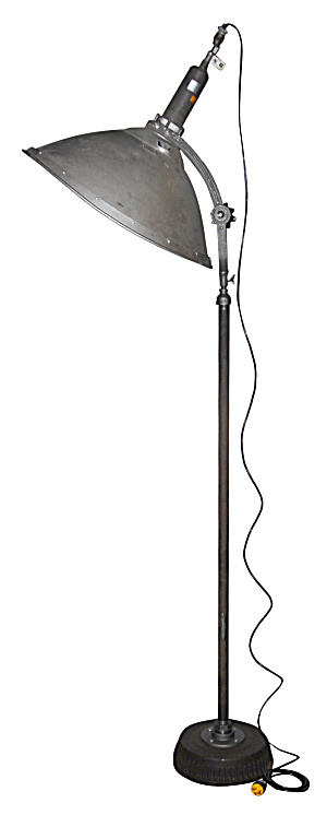 VINTAGE INDUSTRIAL FLOOD LAMP (Image1)