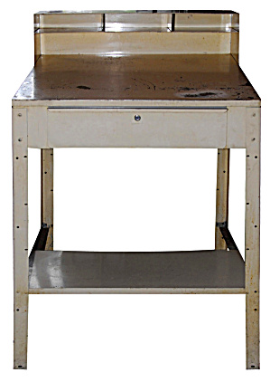 INDUSTRIAL TABLE OR DESK (Image1)