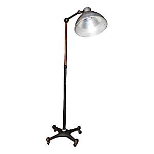 VINTAGE INDUSTRIAL FLOOR LAMP (Image1)