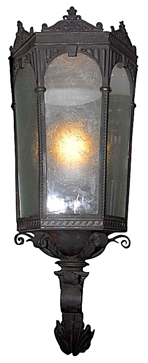 COLONIAL REVIVAL MONUMENTAL EXTERIOR SCONCE (Image1)