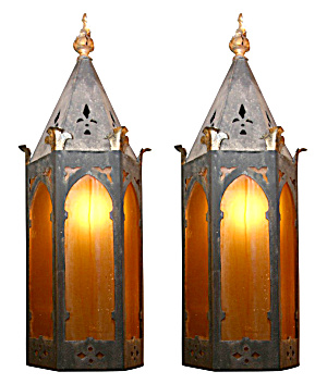 PAIR OF ARTS AND CRAFTS ANTIQUE WALL SCONCES (Image1)