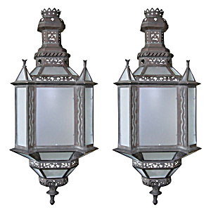 LARGE BRONZE WALL SCONCE (Image1)