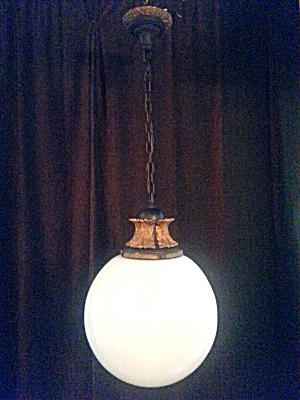 LARGE FOYER LIGHT FIXTURE (Image1)