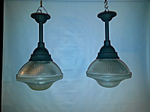 INDUSTRIAL EXPLOSION PROOF LIGHTS (Image1)