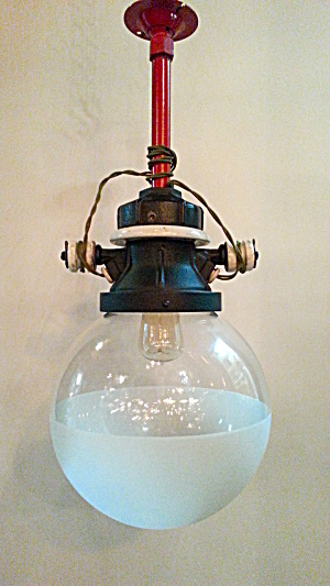 VINTAGE INDUSTRIAL PENDANT LIGHT (Image1)