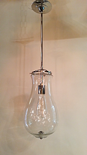 Clear glass pendant light (Image1)