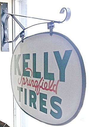 KELLY TIRE SIGN (Image1)