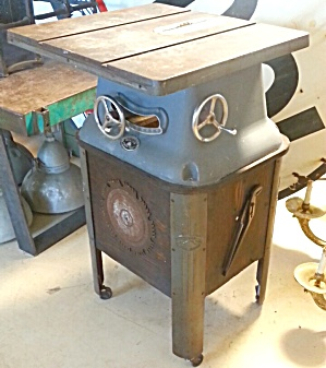 Beaver Table Saw Vintage