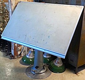 NIKE DRAFTING TABLE (Image1)