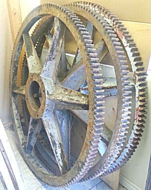 GEAR WHEELS...HUGE FACTORY MACHINE (Image1)
