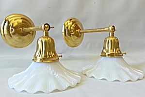 BRASS WALL SCONCES..PAIR (Image1)