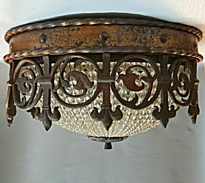 VINTAGE FLUSH MOUNT FOYER LIGHT (Image1)