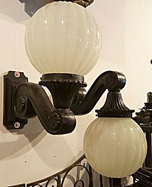 Pair of cast iron restored wall sconces (Image1)