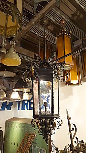 ANTIQUE FOYER LIGHT FIXTURE (Image1)