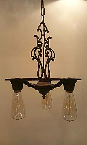 Bare Bulb pendant light (Image1)