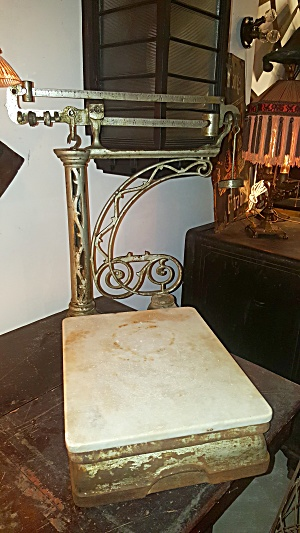 EARLY GENERAL STORE SCALE (Image1)