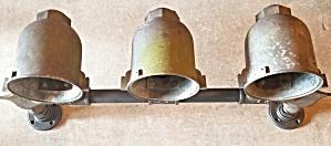 INDUSTRIAL 3  GANG LIGHT   #3177 (Image1)