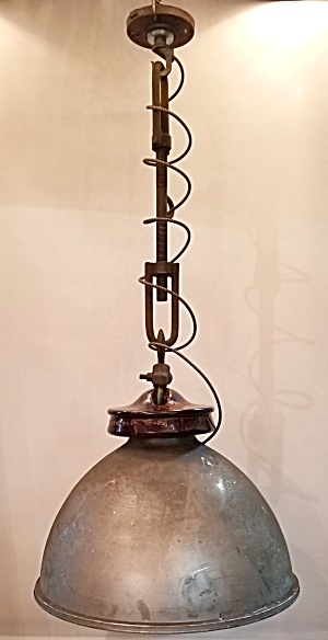 OVERSIZED INDUSTRIAL PENDANT LIGHTS (Image1)