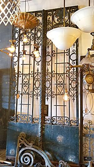 IRON GATES FROM FRANCE (Image1)