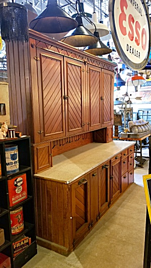 V JOINT WOODEN CABINETRY   CA 1940 (Image1)