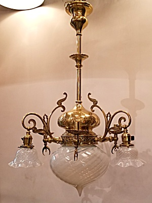 Classic pendant fixture with art glass  (Image1)