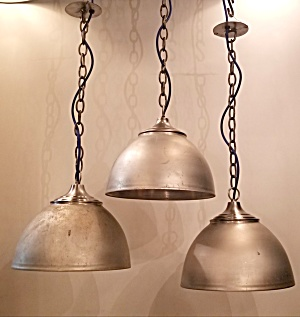 INDUSTRIAL PENDANT LIGHTS (Image1)