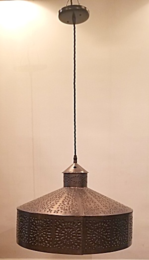 PIERCED METAL PENDANT LIGHT (Image1)