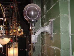 cast iron sconce (Image1)