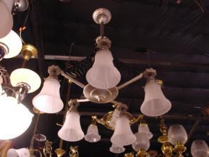 5 arm deco chandelier (Image1)