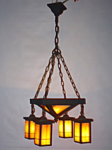 ARTS AND CRAFTS HANGING LIGHT FIXTURE (Image1)