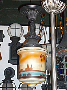 ANTIQUE HAND PAINTED ARTS AND CRAFTS LAMP (Image1)