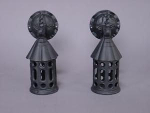 iron sconce (Image1)